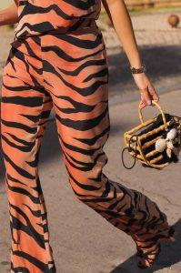 SCRIPTA Pantalona animal print MAJODI.COM